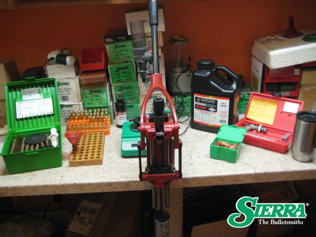 Rich's_Reloading_Bench